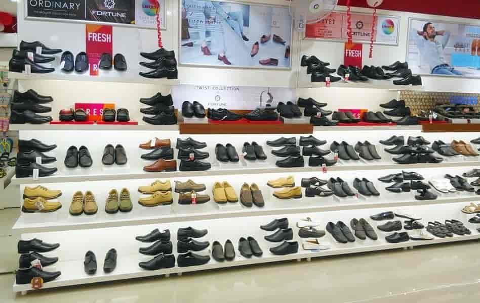 fila shoes showroom in laxmi nagar delhi