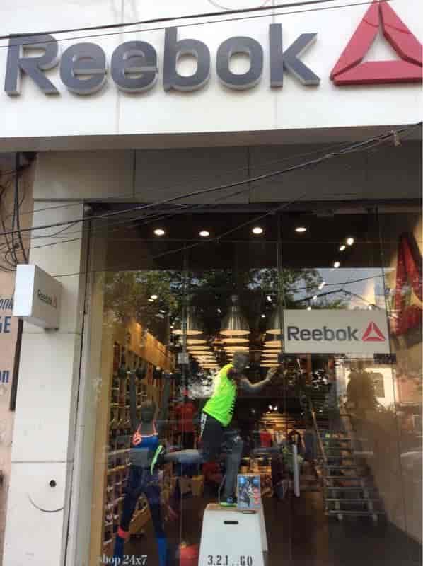 nearest reebok outlet store