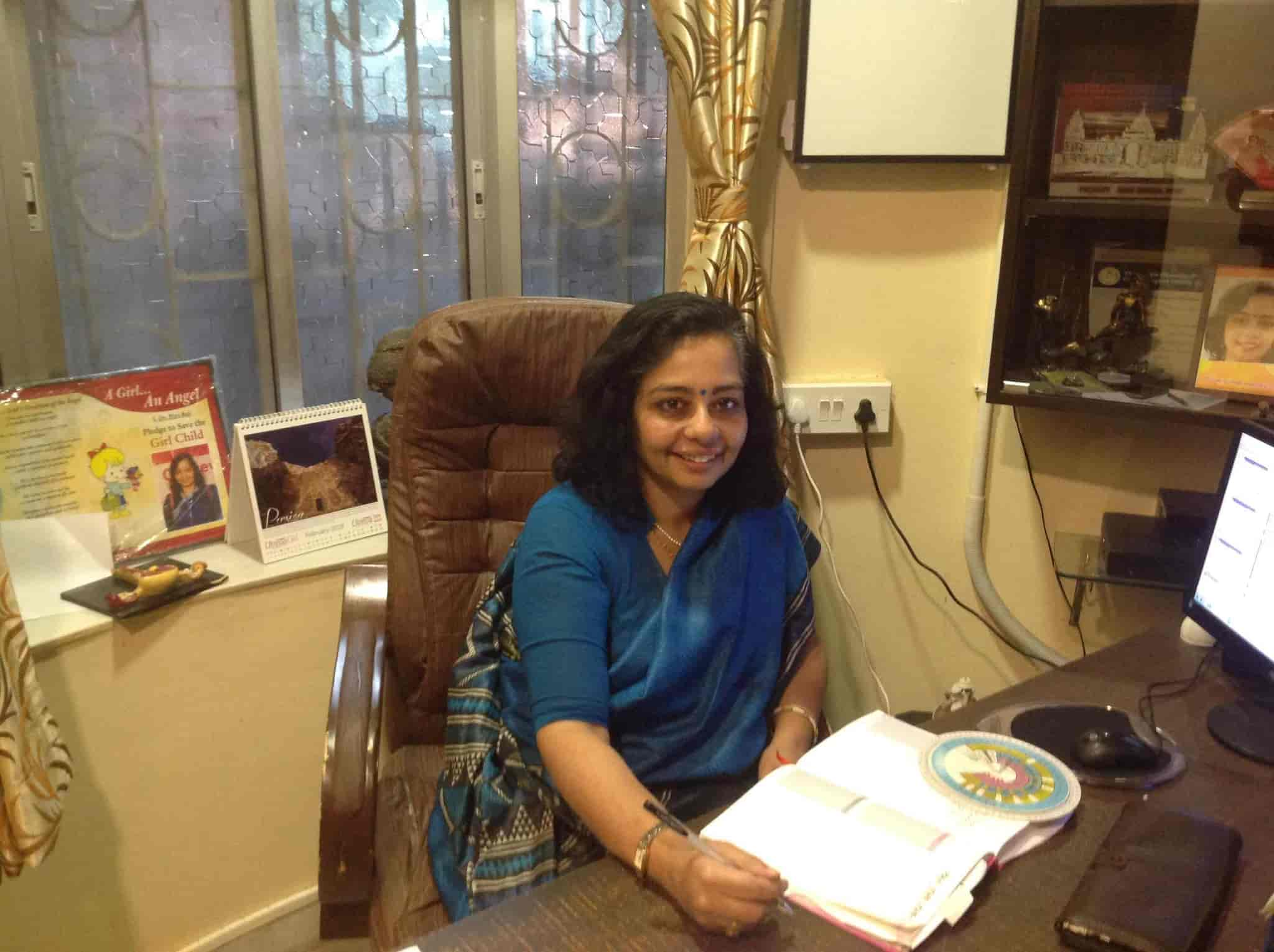 Dr  Piya Ray - Gynaecologist & Obstetrician Doctors - Book