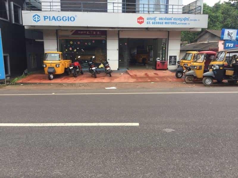 St George Motors Nattakom Three Wheeler Dealers Piaggio Ape In