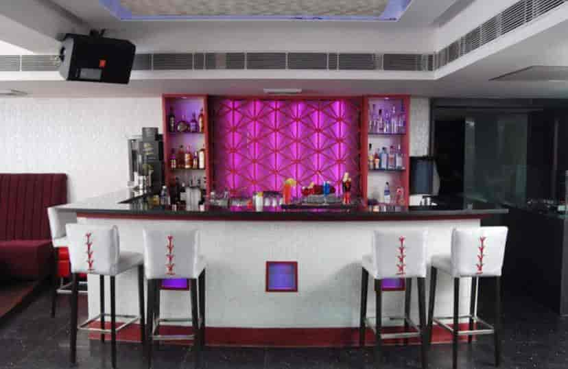 Best Restaurants in Noida Sector 18, Delhi - Top Veg & Non Veg Restaurants  - Order Food Online - Justdial