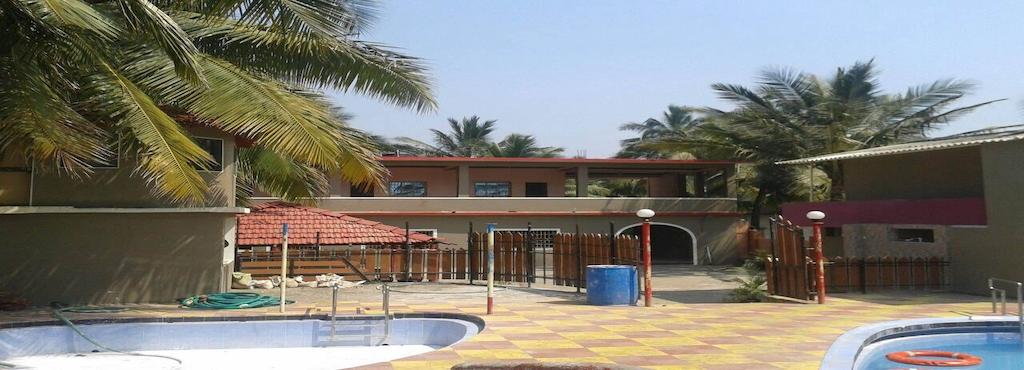 Daryawardi Beach Resort
