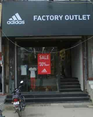 aidas outlet bbmw  Adidas Outlet