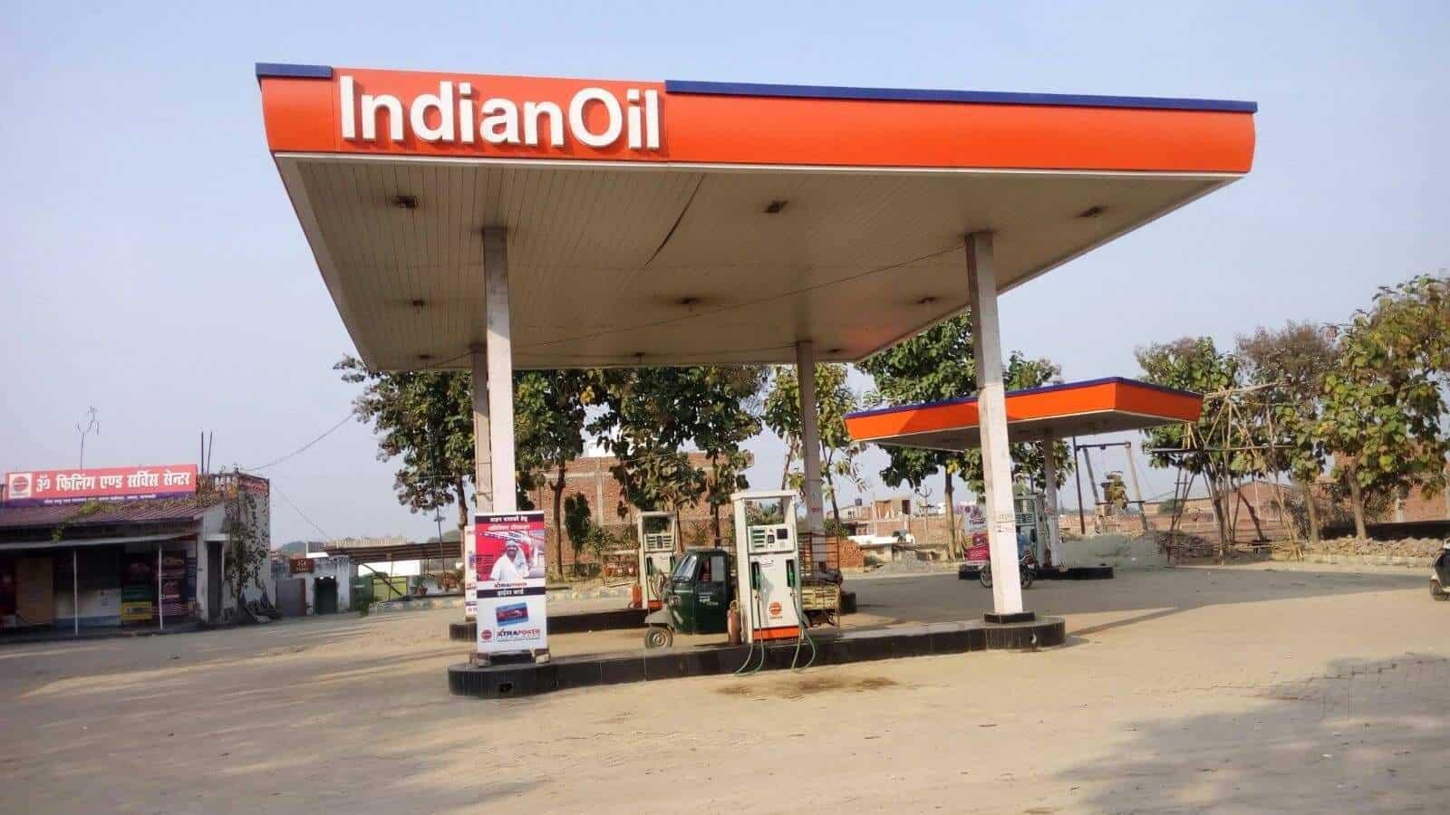 Om Filling Service Center Petrol Pumps Indian Oil In Varanasi