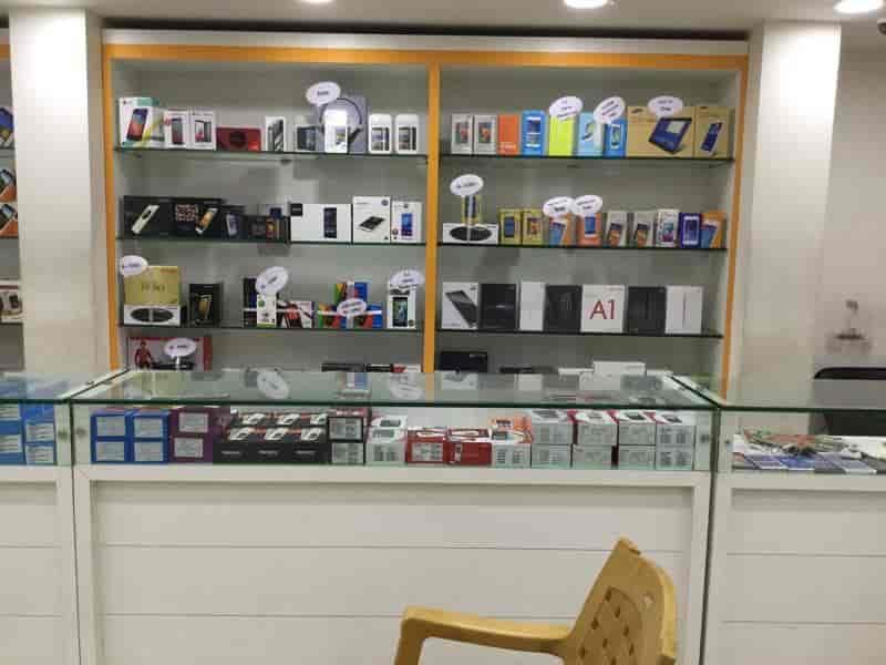 Lot Mobiles, Patamata - Mobile Phone Dealers in Vijayawada