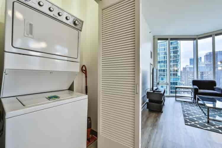 Two Bedroom Apartment 3204. Chicago ...