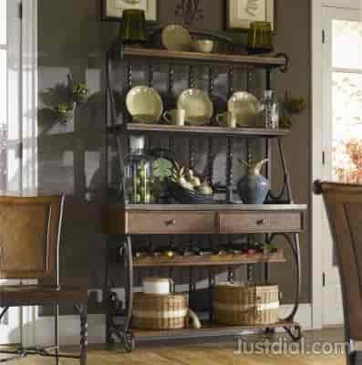 Exceptionnel Bates Furniture